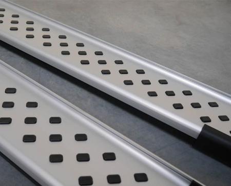 Stopnie boczne - Isuzu D-Max 2004-2011 (długość: 193 cm